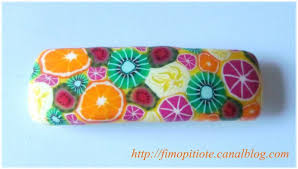collier fimo fruit